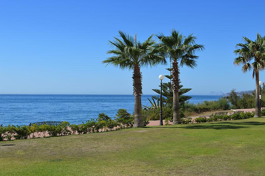 Apartamento en Estepona Front line beach location