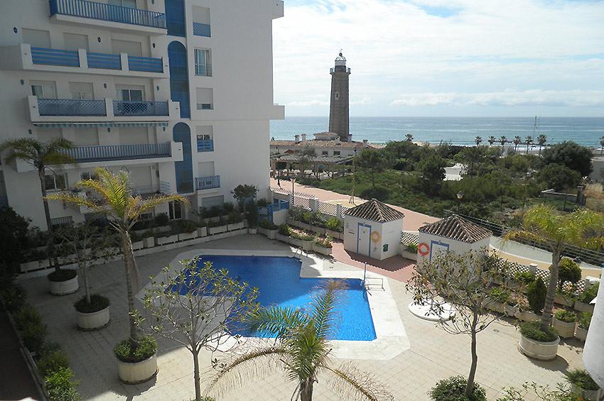 https://estepona-apartments.com/aplicacion/vistas/imagenes/1468402087-10.jpg