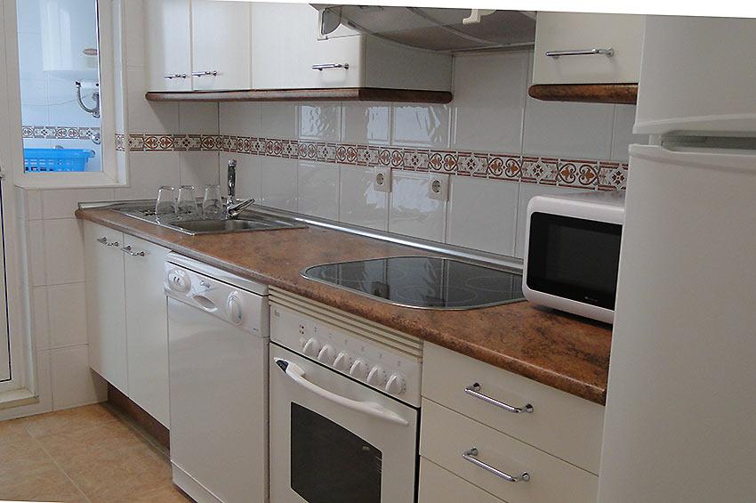 https://estepona-apartments.com/aplicacion/vistas/imagenes/1468403814-4.jpg