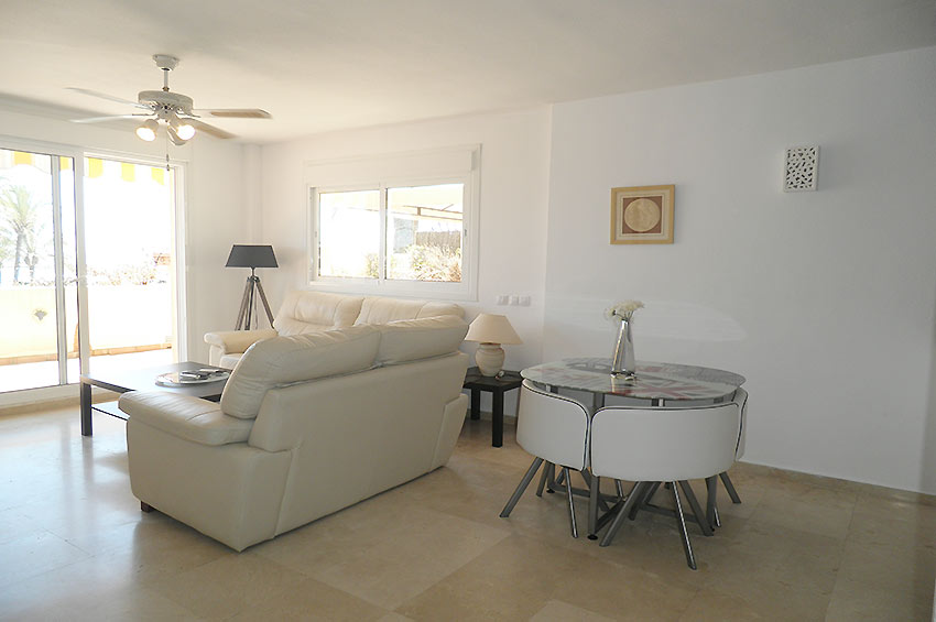 Apartment in Estepona Lounge / dining area