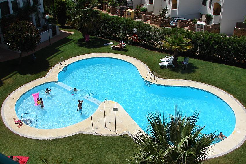 https://estepona-apartments.com/aplicacion/vistas/imagenes/1468404230-10.jpg