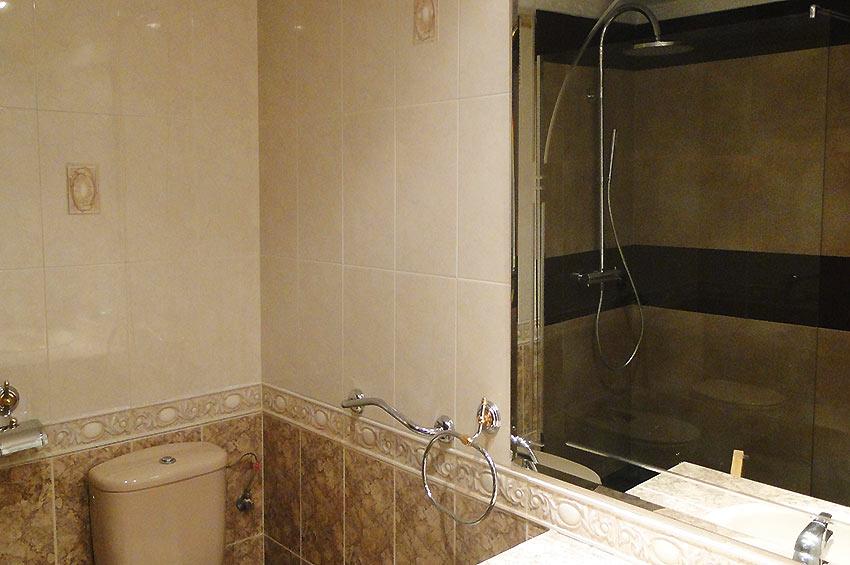 https://estepona-apartments.com/aplicacion/vistas/imagenes/1468404230-6.jpg