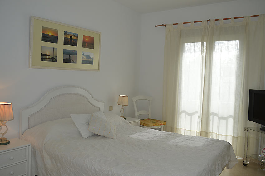 Apartment in Estepona Master bedroom