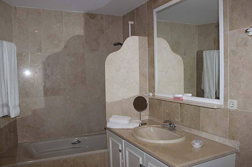 https://estepona-apartments.com/aplicacion/vistas/imagenes/1468407588-5.jpg