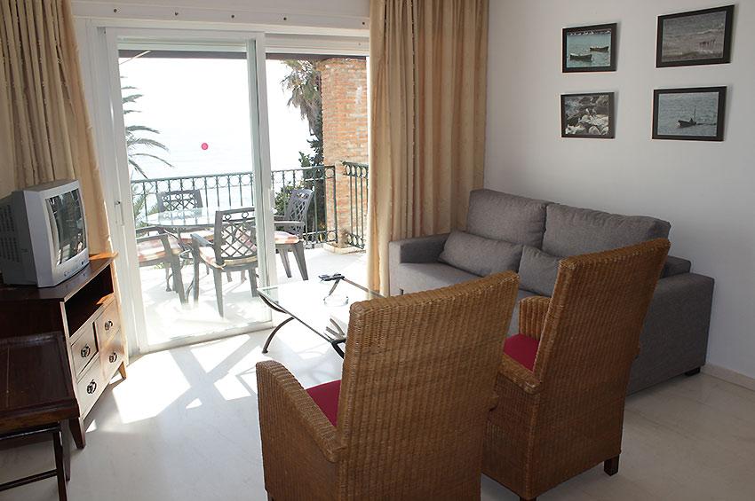 https://estepona-apartments.com/aplicacion/vistas/imagenes/1468409037-2.jpg