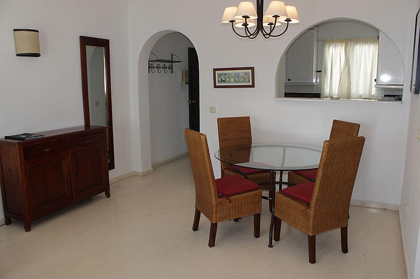 https://estepona-apartments.com/aplicacion/vistas/imagenes/1468409037-3.jpg