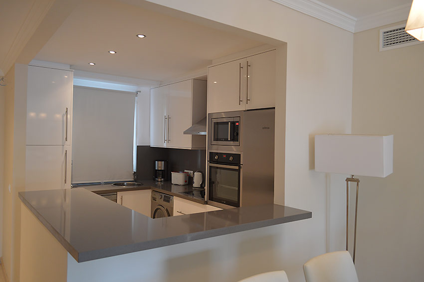 Apartment in Estepona Fulyy fitted kitchen