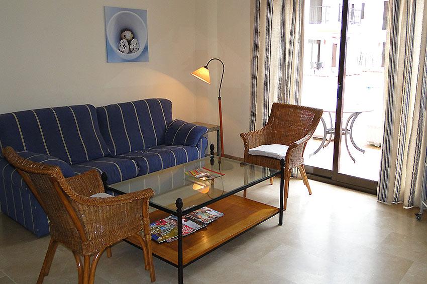 https://estepona-apartments.com/aplicacion/vistas/imagenes/1485273614-2.jpg