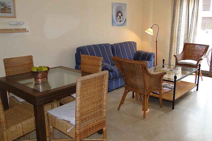 https://estepona-apartments.com/aplicacion/vistas/imagenes/1485273614-3.jpg