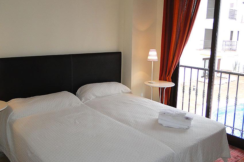 https://estepona-apartments.com/aplicacion/vistas/imagenes/1485273614-6.jpg