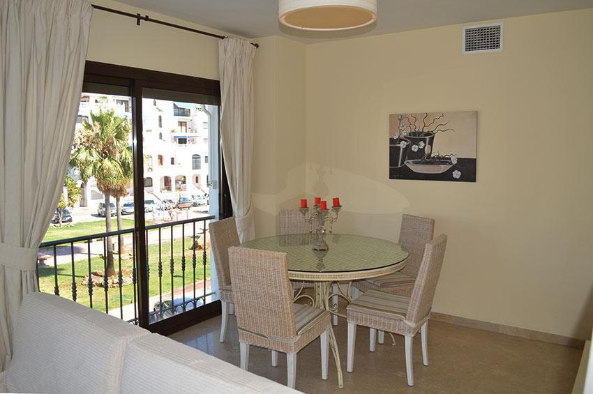 https://estepona-apartments.com/aplicacion/vistas/imagenes/1485274694-3.jpg