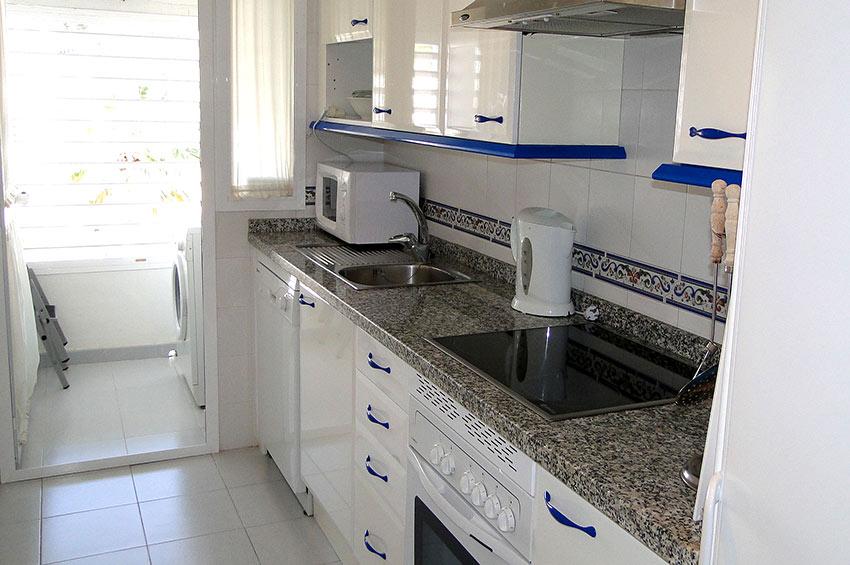 https://estepona-apartments.com/aplicacion/vistas/imagenes/1485274694-4.jpg