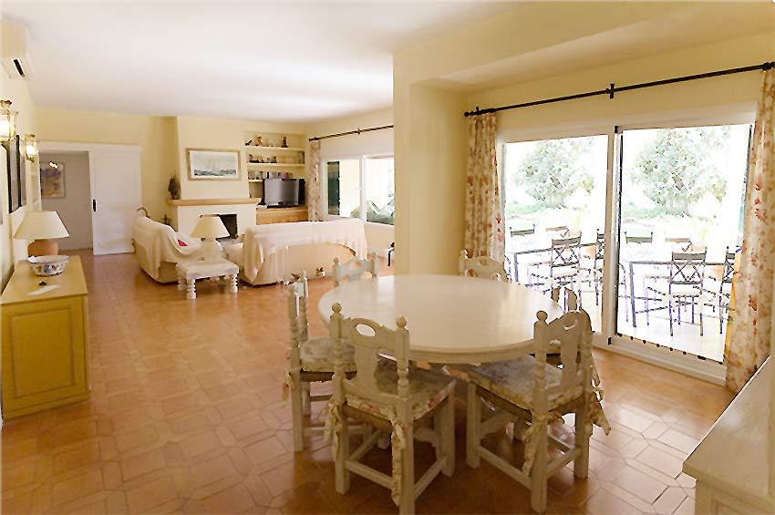 https://estepona-apartments.com/aplicacion/vistas/imagenes/1485506609-3.jpg