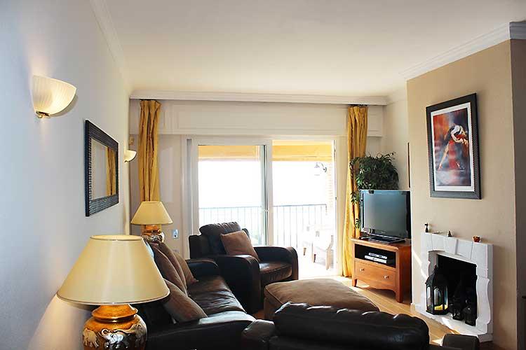 https://estepona-apartments.com/aplicacion/vistas/imagenes/1485508662-3.jpg
