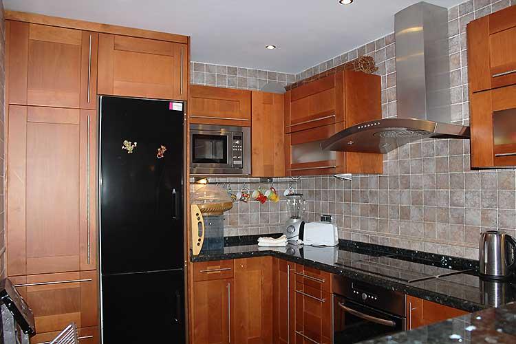 https://estepona-apartments.com/aplicacion/vistas/imagenes/1485508662-4.jpg