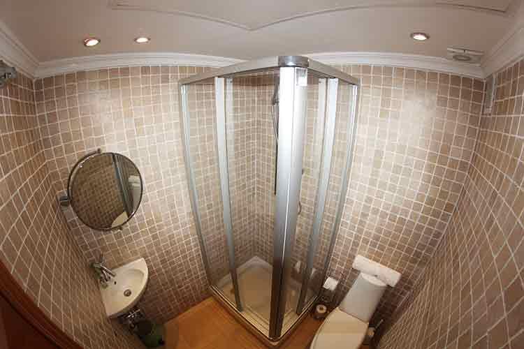 https://estepona-apartments.com/aplicacion/vistas/imagenes/1485508662-9.jpg