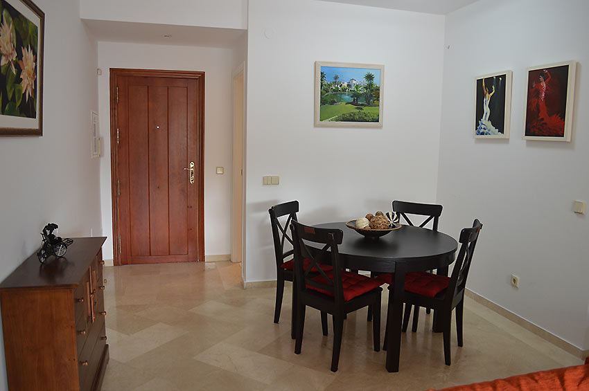 Apartment in Estepona Dining area