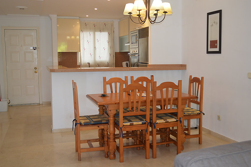 Apartment in Estepona Dining area and fitted kitchen
