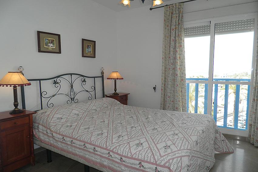 https://estepona-apartments.com/aplicacion/vistas/imagenes/1506583906-6.jpg