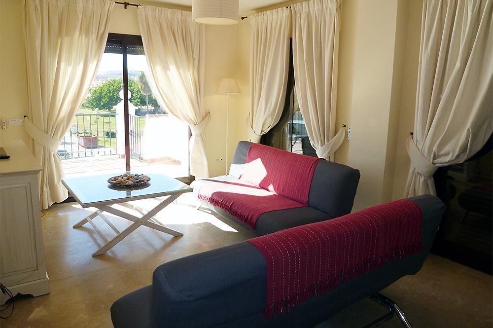 https://estepona-apartments.com/aplicacion/vistas/imagenes/1516196994-2.jpg