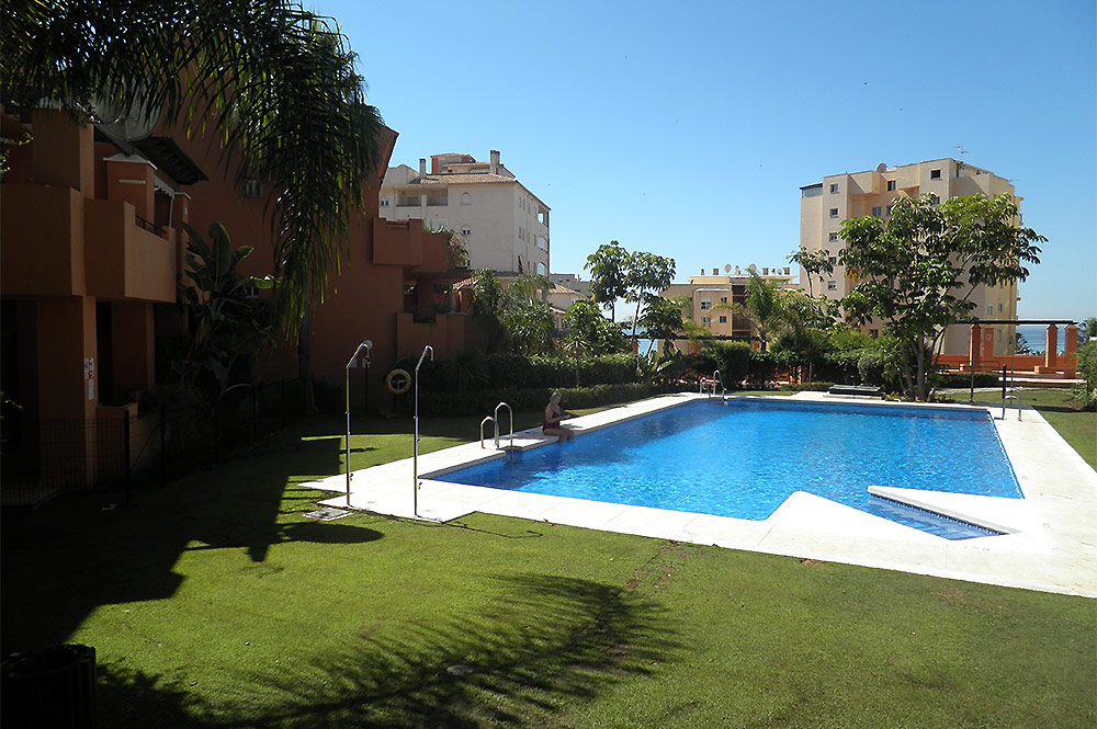 https://estepona-apartments.com/aplicacion/vistas/imagenes/1517053978-10.jpg