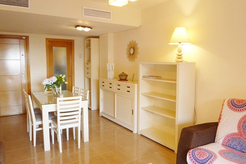 https://estepona-apartments.com/aplicacion/vistas/imagenes/1519297892-3.jpg