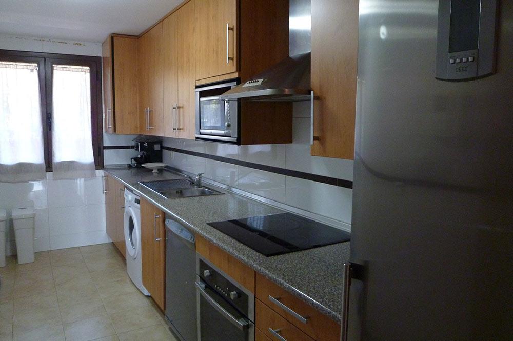 https://estepona-apartments.com/aplicacion/vistas/imagenes/1519297892-4.jpg