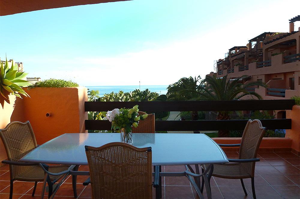 https://estepona-apartments.com/aplicacion/vistas/imagenes/1519297892-6.jpg