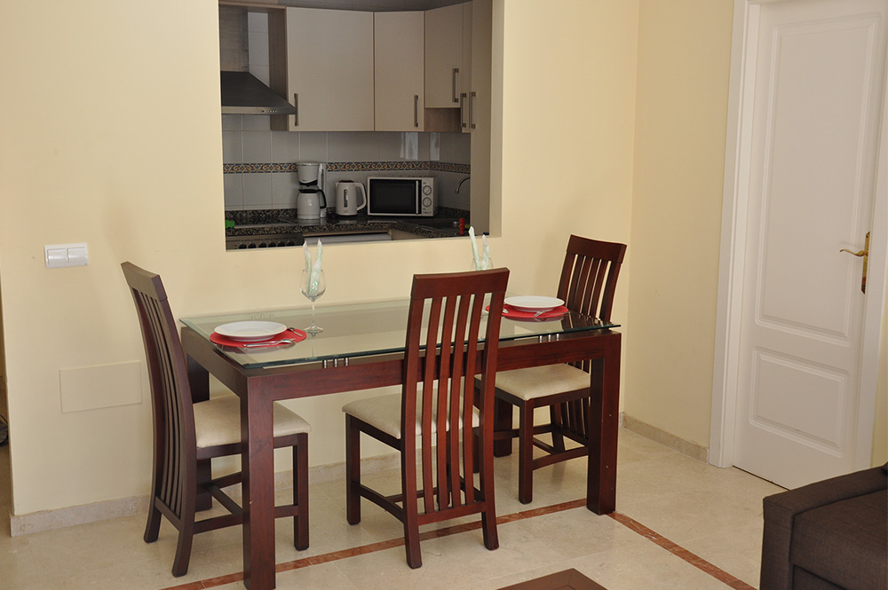 Apartment in Estepona Lounge and dining area