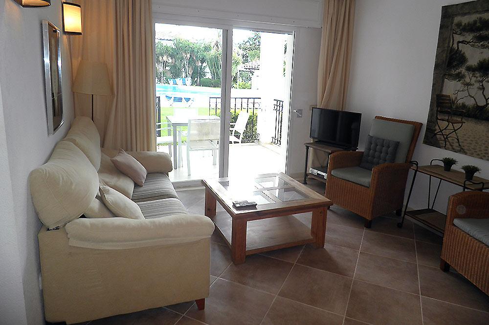 https://estepona-apartments.com/aplicacion/vistas/imagenes/1527600301-2.jpg