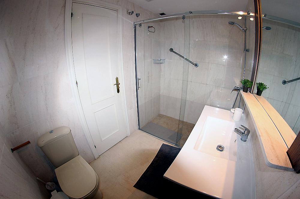 https://estepona-apartments.com/aplicacion/vistas/imagenes/1527600301-6.jpg