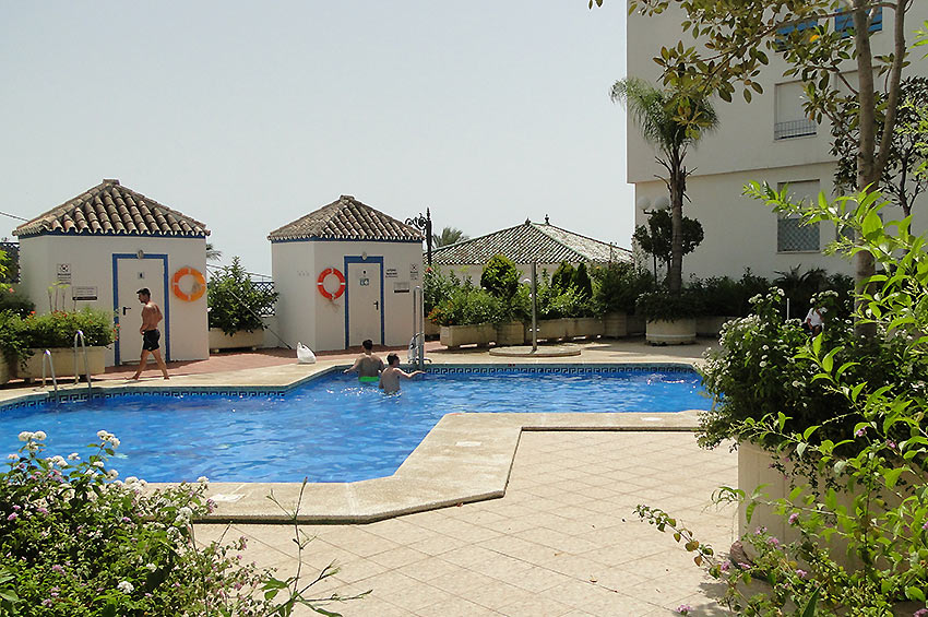 https://estepona-apartments.com/aplicacion/vistas/imagenes/1535029094-9.jpg