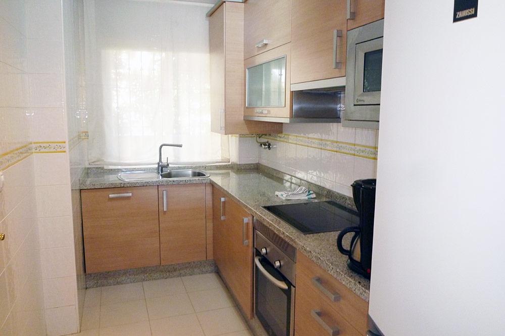 https://estepona-apartments.com/aplicacion/vistas/imagenes/1547044767-4.jpg