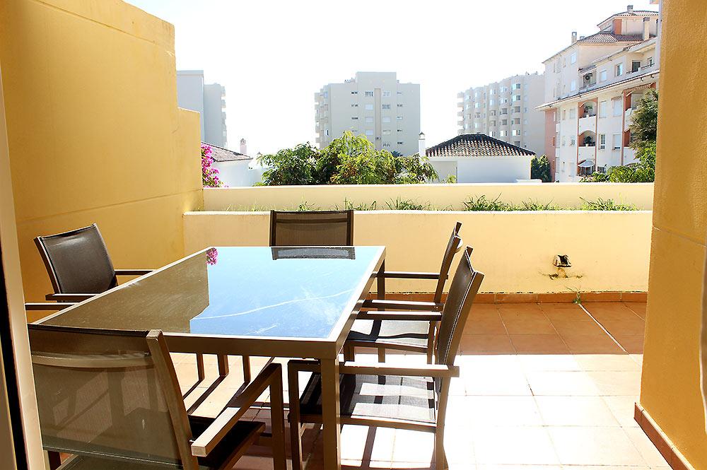 https://estepona-apartments.com/aplicacion/vistas/imagenes/1547044767-9.jpg