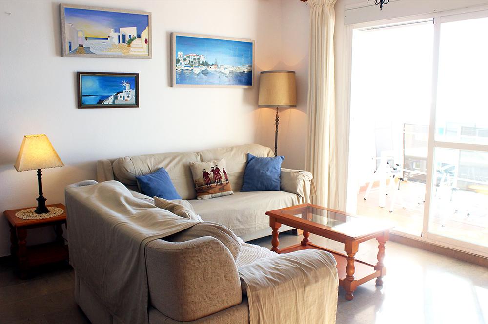 https://estepona-apartments.com/aplicacion/vistas/imagenes/1549296107-2.jpg