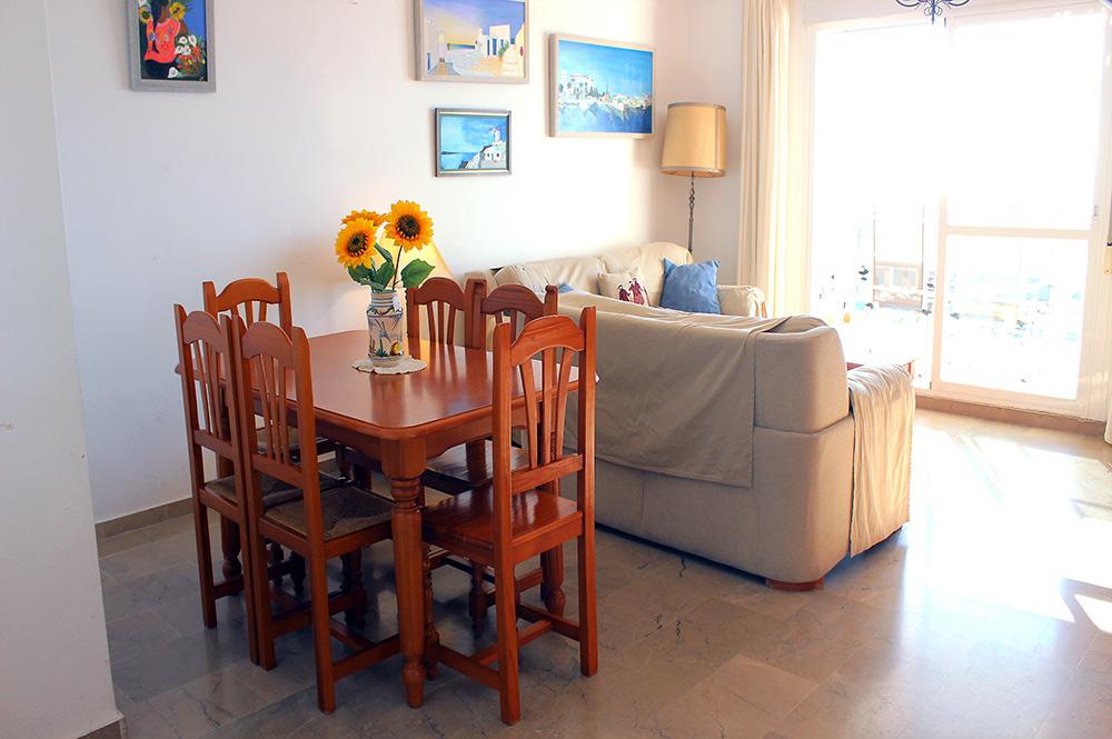https://estepona-apartments.com/aplicacion/vistas/imagenes/1549296107-3.jpg