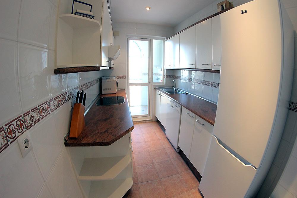 https://estepona-apartments.com/aplicacion/vistas/imagenes/1549296107-4.jpg