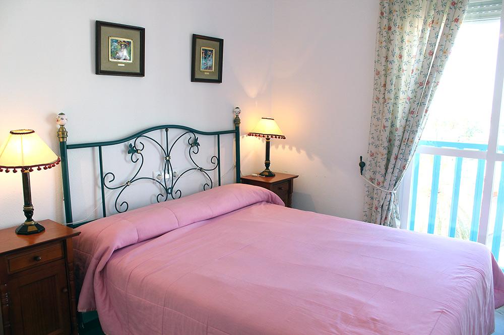 https://estepona-apartments.com/aplicacion/vistas/imagenes/1549296107-6.jpg